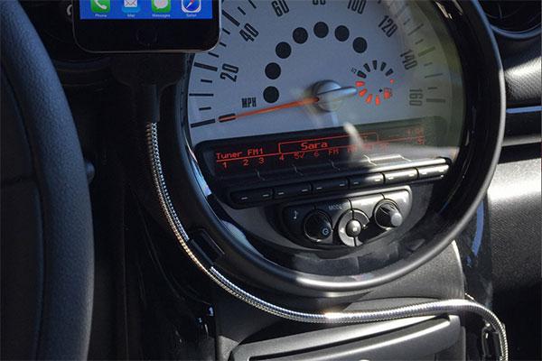 車内で使える充電ケーブルのボビンオートの画像2
