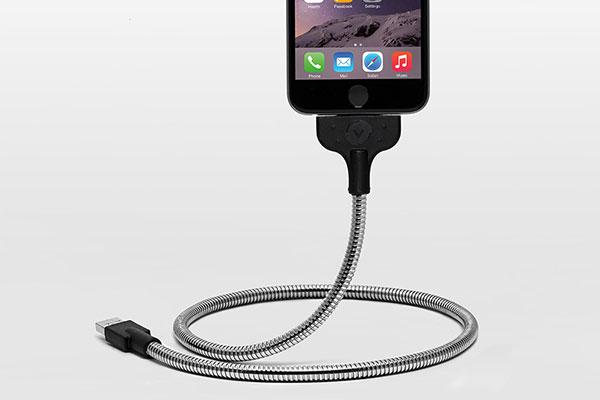 車内で使える充電ケーブルのボビンオートの画像5