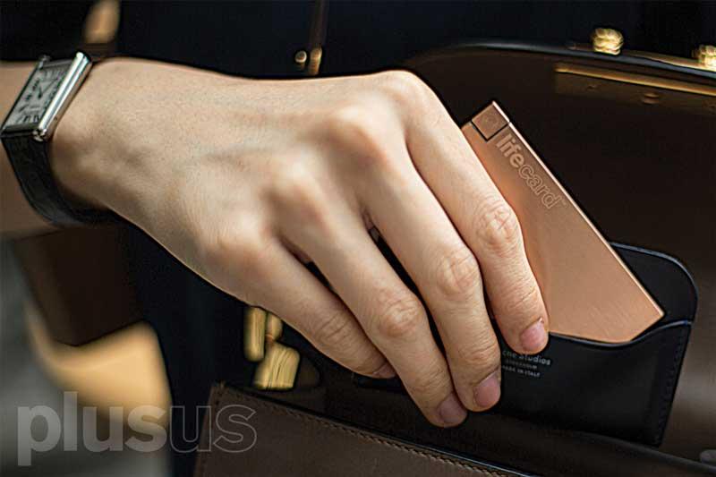 薄型スマホバッテリーのライフカードの画像10