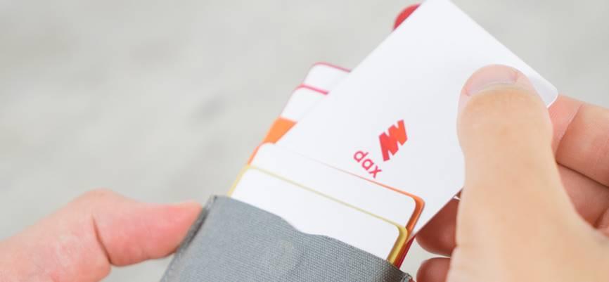 スリムでコンパクトなカードケース