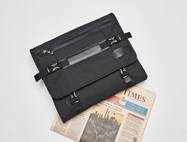 ガジェットの【新商品】本日公開!出張に便利!スーツをシワなく持ち運ぶ。B4ガーメントバッグ「PLIQO(プリコ)」 #新製品 #ガーメントバッグ #ビジネス #出張 #コンパクト #ガジェット #Makuake #jpt