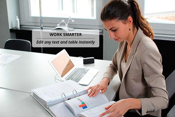 机に置いても邪魔にならないコンパクトなポータブルスキャナー