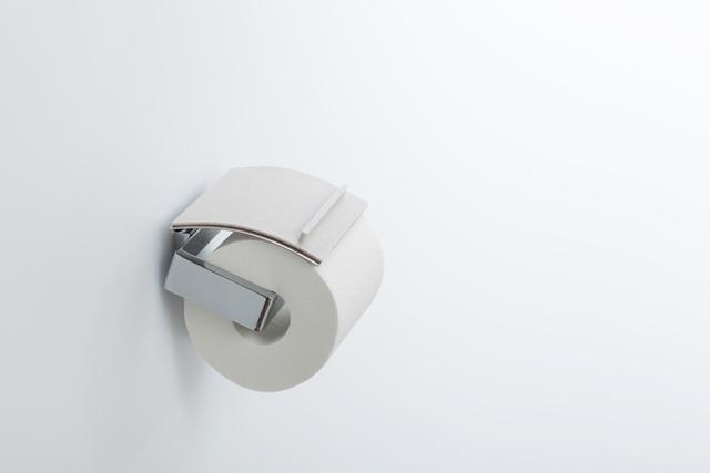 トイレットペーパーホルダーが工事不要でトレイに変身トイレトレイ